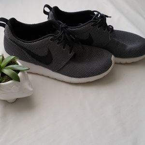 Nike Roshee Run 1